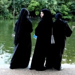 Muslim women in Hyde Park, London. Photo: Roberto Trm