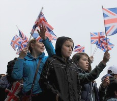 British public wave flags at Queen's 2012 Jubilee. Photo: xpgomes10