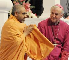 Archbishop Vincent Nichols visits a Hindu temple in 2009. Photo: Mazur/catholicchurch.org.uk