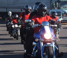 M25 poppy bikers. Photo: Old Banger