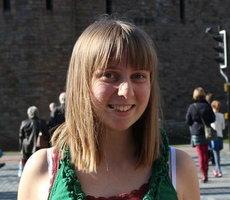 Ellie, 19, VOAG 230x200